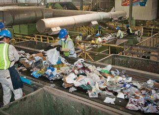 Beijing memutuskan untuk menghentikan membeli sampah dari AS dengan alasan bahwa material yang didaur ulang tersebut telah terkontaminasi. Foto : govtech.com