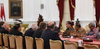 Presiden Joko Widodo meminta dukungan dari Republik Ceko agar menghilangkan diskriminasi atas sawit Indonesia di pasar Eropa. Foto : iNews.id