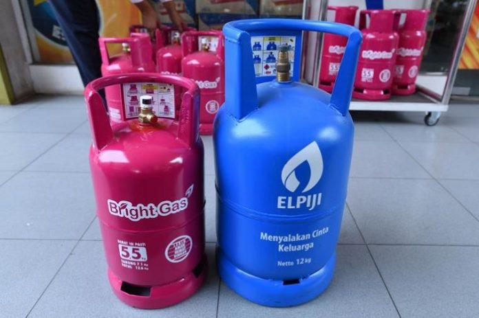 Demi keamanan penggunaan LPG yang pertama adalah memastikan kompor dan tabung LPG diletakkan di ruangan dengan sirkulasi dan ventilasi udara yang baik. Foto : gaselpijigadingserpong.blogspot.com