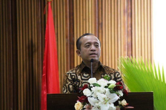 Sekretaris Jenderal KLHK Bambang Hendroyono menegaskan bahwa pentingnya pimpinan yang mumpuni karena dalam pengelolaan KPH agar sesuai harapan. Foto : Wisesa/TROPIS.CO