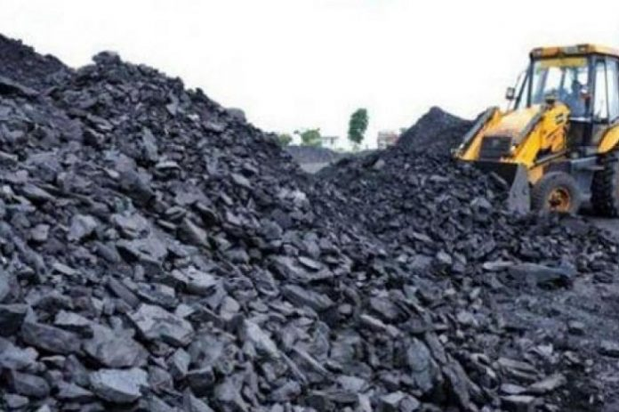 Cina mengimpor 104,5 juta ton batu bara dari Indonesia pada periode Januari-Mei 2018 dan jumlah ini meningkat 10,2 persen dari periode yang sama pada tahun 2017. Foto : IESR