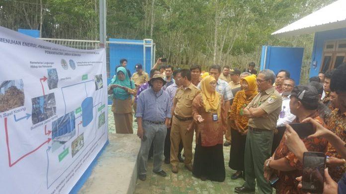 Kementerian Lingkungan Hidup dan Kehutanan, dalam upaya meningkatkan pendapatan masyarakat dan memperkuat ketahanan pangan dan energi ini, telah membangun reaktor biomassa di tujuh provinsi, salah satunya di Bangka Belitung, tepatnya di Desa Cendil Kelapa Kampit, Belitung Timur. Foto : Istimewa