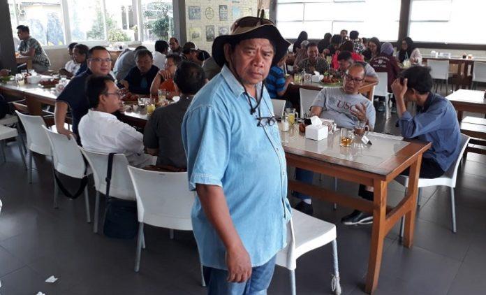 H. Usmandie A Andeska, calon legislatif DPR RI Daerah Pemilihan Bangka Belitung, ingin memberikan kepastian hukum bagi area pemukiman di Bangka Belitung yang masih terdata sebagai kawasan hutan lindung. Foto : Jos/tropis.co