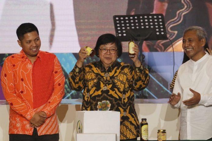 Menteri Lingkungan Hidup dan Kehutanan Siti Nurbaya mengajak semua stakeholder terkait guna memaksimalkan potensi HHBK yang belum tergarap dengan baik. Foto : KLHK
