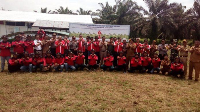 Pembentukan Masyarakat Siaga Api (MSA) oleh PT Bumipalma Lestaripersda di sembilan desa di Kabupaten Indragiri Hilir, Riau, sebagai upaya perusahaan meminimalisir potensi dan dampak kebakaran hutan dan lahan (karhutla). Foto : Sinar Mas