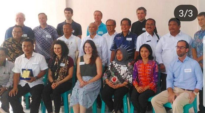 Delegasi Uni Eropa mengunjungi perkebunan kelapa sawit milik anggota ISPO di provinsi Riau pada 8-9 Mei 2018. Foto : Istimewa