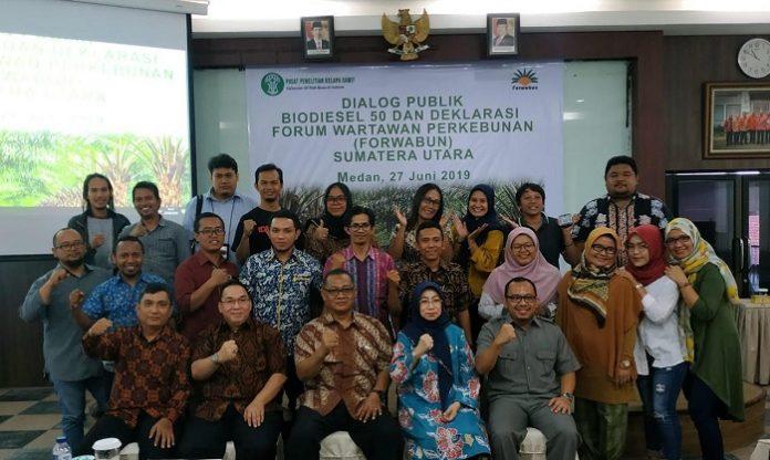 Deklarasi Forum Wartawan Perkebunan (Forwabun) Sumatera Utara merupakan salah satu usaha melawan kampanye negatif terhadap industri sawit Indonesia. Foto : Forwabun