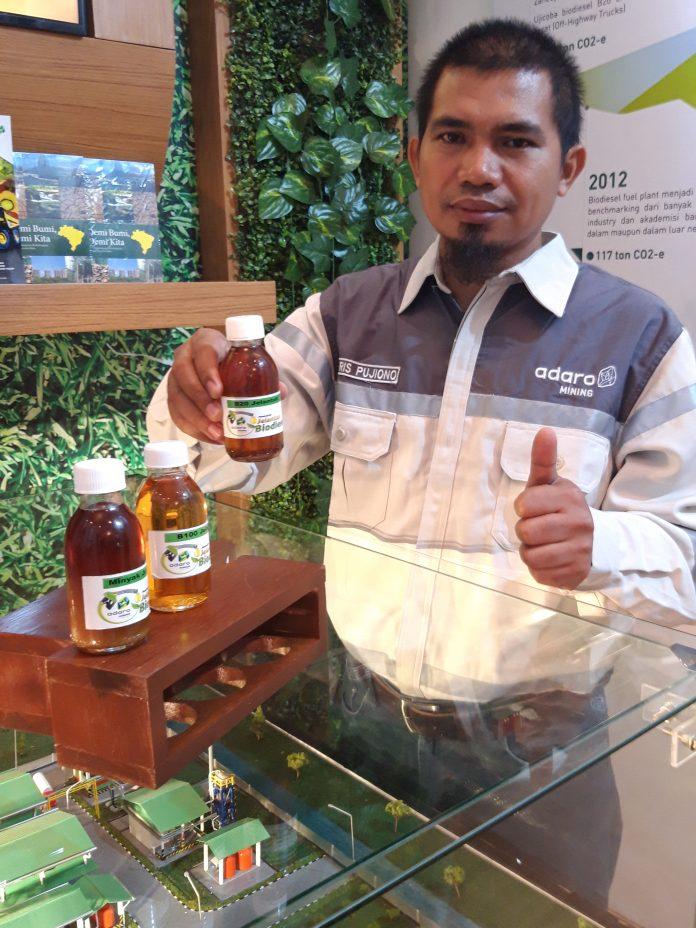 Haris Pujono, seorang staf Adaro, menyebutkan bahwa minyak jelanta yang mereka proses, awalnya dari minyak limbah catering perusahaan. Foto : Istimewa