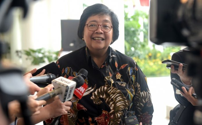 Menteri Lingkungan Hidup dan Kehutanan Siti Nurbaya menyatakan, kalau impor bahan baku untuk industri harus homogen, bahan baku zero tolerance. Foto : Setkab