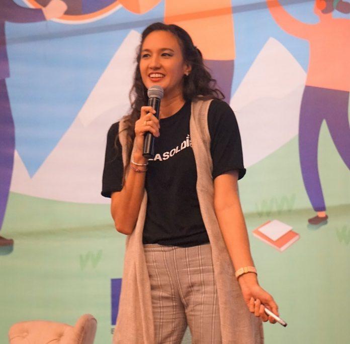 Nadine Chandrawinata, artis yang juga co-founder Sea Soldiers menyerukan seluruh generasi muda untuk menjadi agen perubahan. Foto : UE