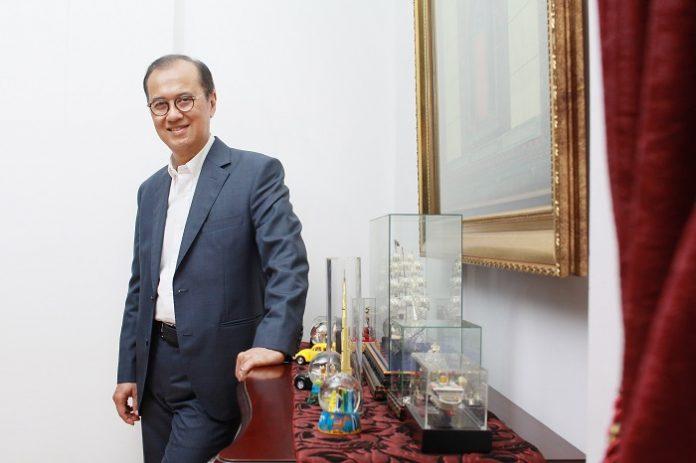Direktur Digital Teknologi Informasi dan Operasi PT Bank Rakyat Indonesia (BRI) Indra Utoyo mengungkapkan, entrepreneurs dalam perusahaan besar dibutuhkan sehingga memungkinkan para karyawan dapat berinovasi dan mengembangkan ide-ide digital yang mendukung arah perusahaan. Foto: ALUMNINGGRIS.COM