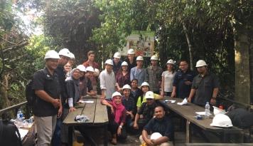 Perusahaan perkebunan kelapa sawit PT Kimia Tirta Utama hadapi Covid-19 dengan kerja sama yang solid. Foto: Istimewa