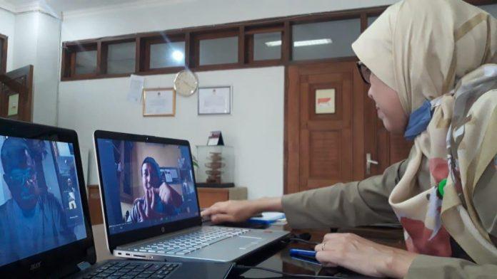 Merancang program e-learning bagi rumah produksi yang menyiapkan materi tayang televisi. Foto: Istimewa