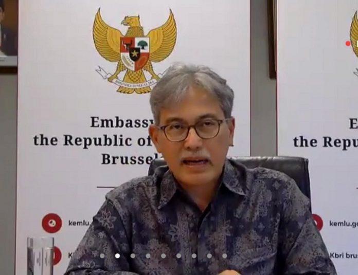 Duta Besar RI di Brussels, Belgia merangkap Luksemburg dan Uni Eropa Yuri Thamrin mengungkapkan, produk hasil hutan Indonesia dikenal di Eropa sebagai produk yang berkualitas tinggi dengan daya saing karena dilengkapi sertifikat SVLK/FLEGT yang mempermudah proses rekognisi legalitas dan keberlanjutan oleh konsumen. Foto: APHI