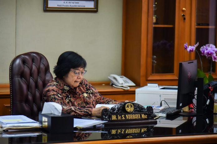Menteri LHK Siti Nurbaya bangga atas keberhasilan inovasi Simontana, serta inovasi Kementerian Lingkungan Hidup dan Kehutanan (KLHK) lainnya yang dapat memberikan manfaat untuk masyarakat dan negara. Foto: KLHK