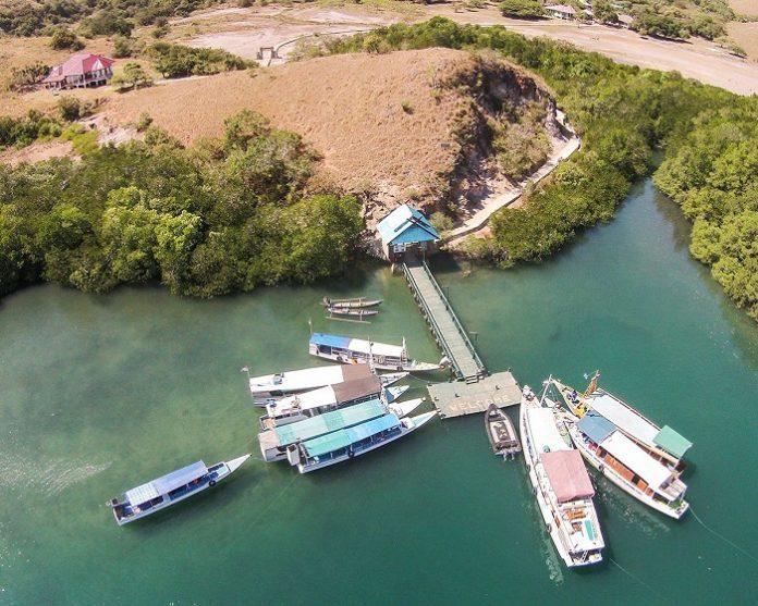 Dermaga Pantai Loh Buaya, di Pulau Rinca, menjadi salah satu kawasan yang akan dibangun dermaga seluas 400 m2 dengan panjang 100 meter dan lebar empat meter. Foto: Twitter