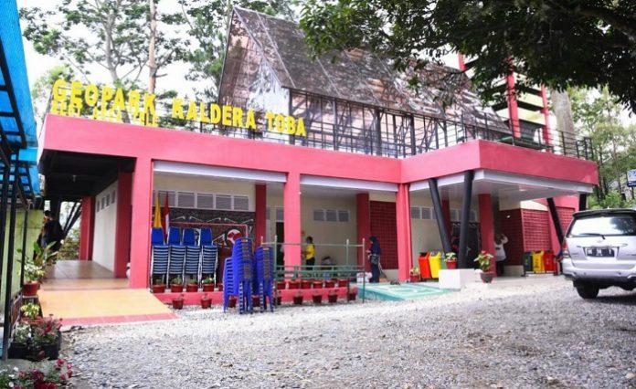 Kementerian Pekerjaan Umum dan Perumahan Rakyat (PUPR) telah mengembangkan teknologi toilet wisata dengan dilengkapi sistem pengolahan air limbah yang ramah lingkungan di Kawasan Strategis Pariwisata Nasional (KSPN) Prioritas Danau Toba Provinsi Sumatera Utara. Foto: Kementerian PUPR