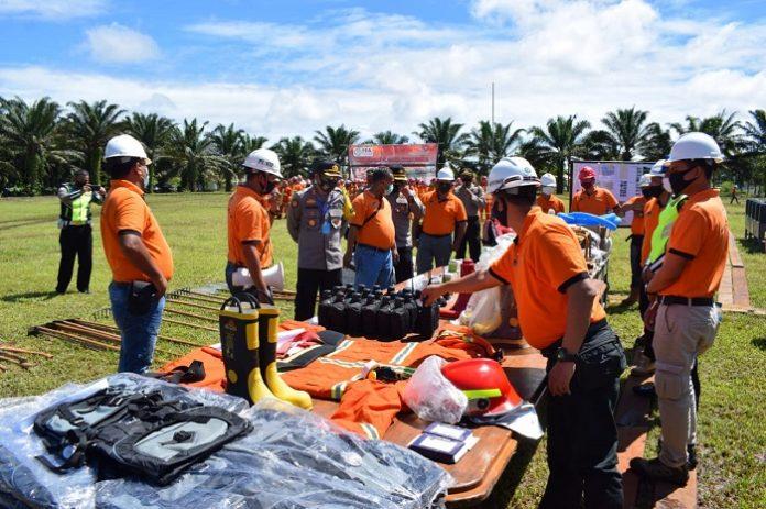 Wilmar Group melaksanakan protokol kesehatan, pihaknya berupaya untuk meningkatkan kesiagaan dengan melengkapi sarana dan prasarana pemadaman kebakaran serta menyediakan embung buatan dan alami. Foto: Wilmar