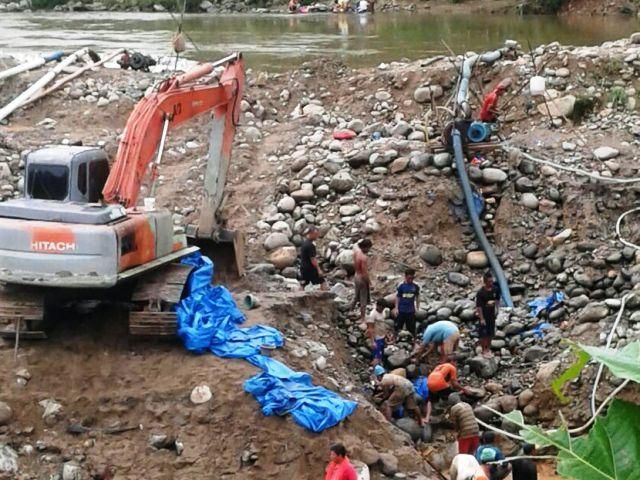 Tambang emas ilegal beroperasi bebas di Batang Natal sehingga aparat penegak hukum mesti mengusut tuntas hal ini dan membawa ke pelakunya ke meja hijau. Foto: Istimewa