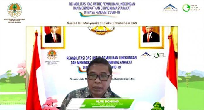 Wamen LHK Alue Dohong juga menyampaikan bahwa KLHK sudah menerapkan kebijakan dan aksi korektif melalui penetapan Permen LHK Nomor 59 Tahun 2019 tentang Penanaman Dalam Rangka Rehabilitasi DAS. Foto: KLHK
