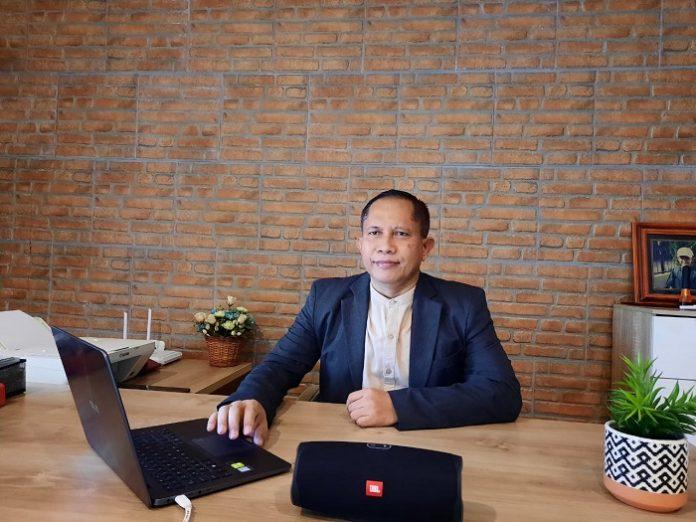 Dr. Mahawan Karuniasa, CEO Environment Institute dan Ketua Jaringan Ahli Perubahan Iklim dan Kehutanan Indonesia, menilai bahwa ilmu pengetahuan selalu berkembang dan berubah, namun isu lingkungan global saat ini dan yang sedang berkembang menuntut kita untuk melakukan intervensi yang signifikan. Foto: Istimewa