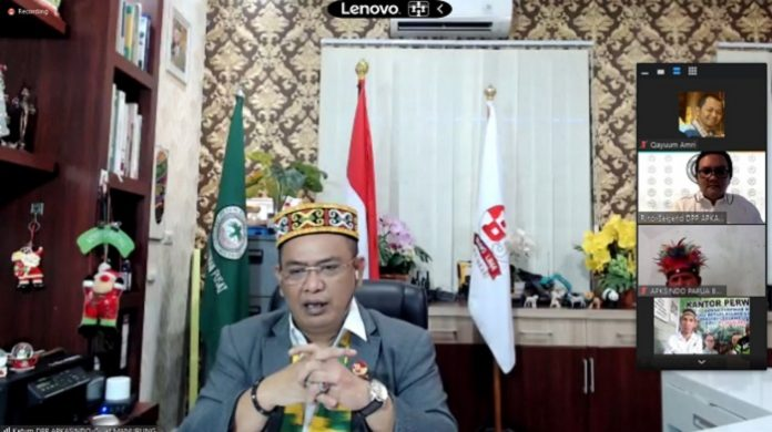 Ketua Umum DPP APKASINDO Gulat Manurung menilai Rancangan Peraturan Pemerintah (RPP) di sektor kehutanan dan perkebunan semakin merugikan perkebunan petani. Foto: APKASINDO