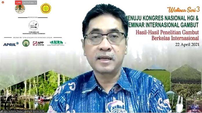 Kepala Badan Litbang dan Inovasi (BLI) Kementerian Lingkungan Hidup dan Kehutanan (KLHK) Agus Justianto menjelaskan tantangan dalam pengelolaan gambut sangat kompleks dan dinamis. Foto: KLHK