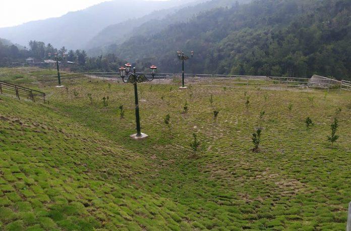 Area greenbelt Bendungan Tukul sendiri memiliki luas 2.496 hektare telah ditanami sebanyak 655 pohon seperti durian musang king 50 pohon, mangga 300 pohon, jeruk baby Pacitan 305 pohon. Foto: Kementerian PUPR