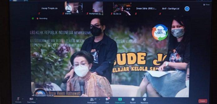 Direktur Jenderal Pengelolaan Sampah Limbah B3 KLHK Rosa Vivien Ratnawati memberikan keterangan dalam konferensi pers virtual film pendek berjudul Bude Jo Belajar Kelola Sampah yang digelar Rabu (28/4/2021), Foto: TROPIS.CO/Jos