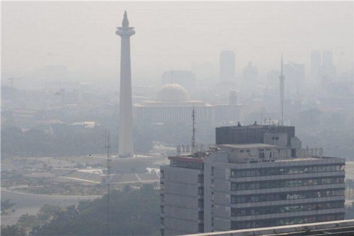 Jika kondisinya terus memburuk, maka 11 juta penduduk Jakarta bisa kehilangan angka harapan hidup selama 5,5 tahun. Foto: Minews ID